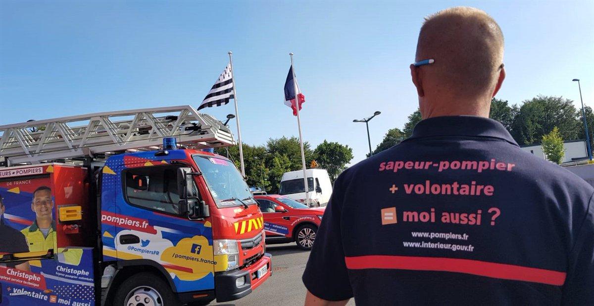 #TDF2018  Les sapeurs-#pompiers de la @CaravaneduTour des @PompiersFR et de la @SecCivileFrance sont sur les routes de #Bretagne. Après une belle étape entre #Lorient et #Quimper hier, ils s\