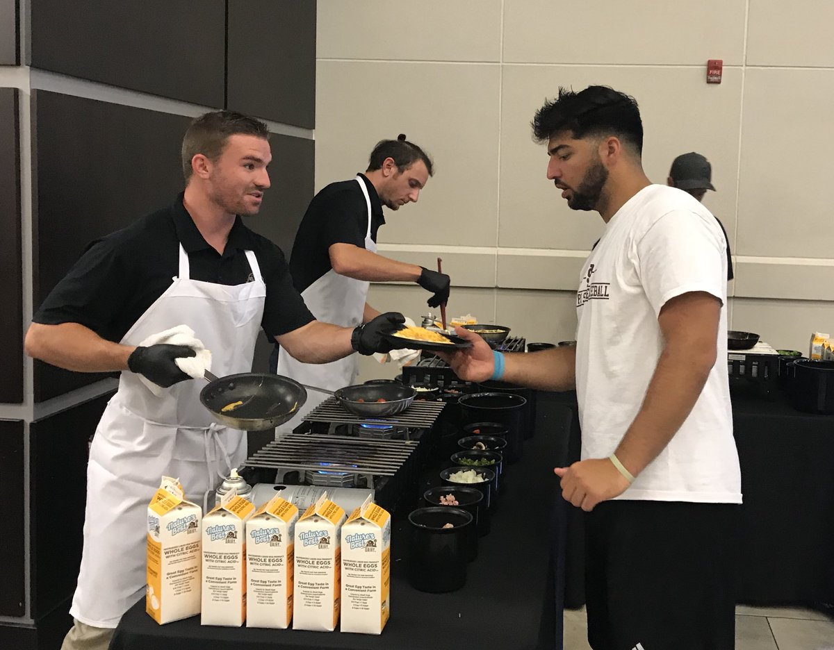 The perfect post run breakfast @HailStateFB. Omelets made to order!