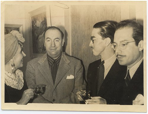 Twenty love poems and an ode to socks are in his oeuvre, / today is the birthday of #PabloNeruda! The Chilean poet was #BTD in 1904.  https:// s.si.edu/2IDbofn  &nbsp;  <br>http://pic.twitter.com/ArRHuwv5Yy
