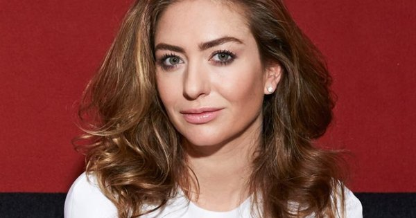 29-year-old Whitney Wolfe Herd, founder and CEO of Bumble, is now worth $230M https://t.co/1NYYsaQxlY #SelfMadeWomen https://t.co/bhJeDiDVcB