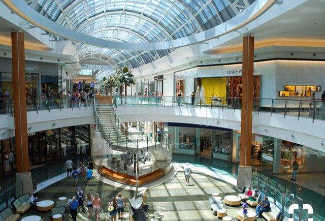 3d7bc4f6f The Mall at Millenia:مول ضخم ورائع. يبعد أقل من ١٠ دقائق عن اليونفيرسال  ٢.The Florida Mall: ثاني أكبر مول كما ويحوي عالم M&M's.