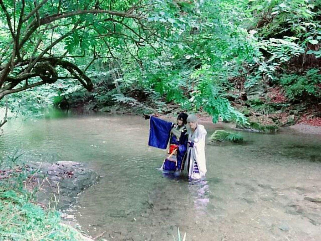 【遅報】昨日は初の川ロケで鶴丸してきました🐥 シャニさんの三日月もゆーきさんの撮ってくれた写真も最高でした😂 ずっと凄いと綺麗しか言えなかった…素敵な撮影にご一緒させて頂けて幸せでしたありがとう!