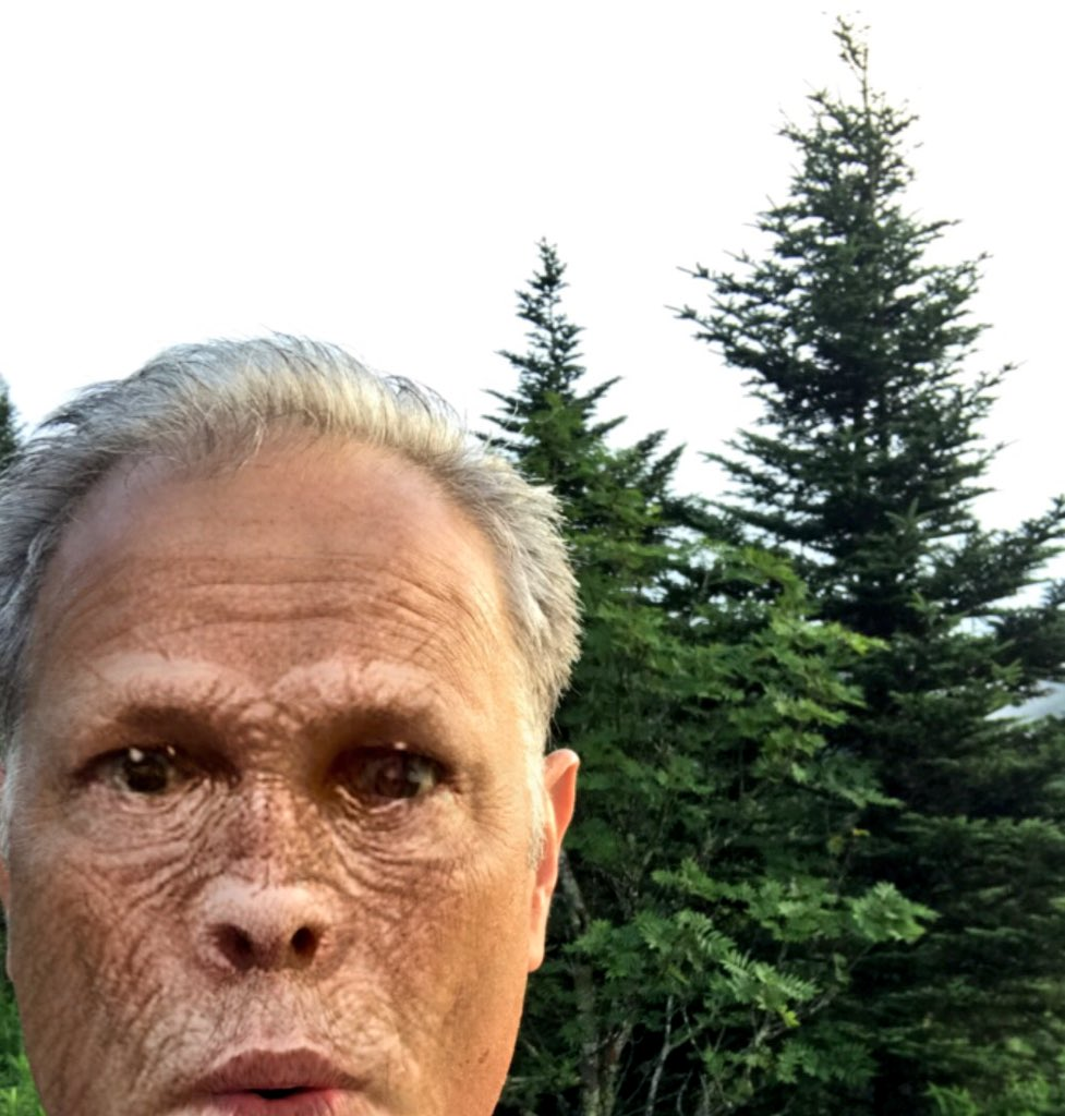 """If I believe strongly enough in me, finally I get to the place that it doesn't matter so much what other people think. So, if I have a message to share with humans from my own life lessons, it's this: """"If you don't #believe in yourself, no one else will!"""" #Bigfoot #BelieveInYou <br>http://pic.twitter.com/YXXYdDf3CH"""