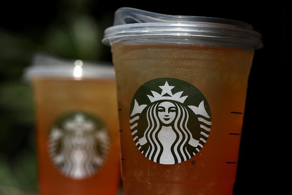 A sea turtle provided the emotional trigger for Starbucks to eliminate plastic straws https://t.co/IewKKp52cP https://t.co/BuJF877v2p