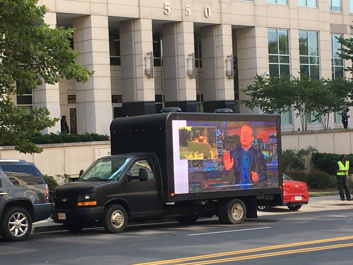"""Look, it's @iamjohnoliver and @LastWeekTonight right across the street from the @FCC, talking about @WeAreSinclair's ridiculous """"local"""" journalism, thanks to @freepressaction and friends like @MPower_Change, @credoaction, @CommonCause, @NHMC, @ACLU, @dailykos and @demandprogress.<br>http://pic.twitter.com/xE6XFK9MGO"""
