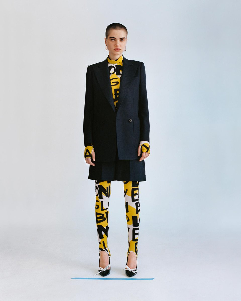 The graffiti print bodysuit paired with the pin dot wool double-breasted jacket and shorts suit. From the new Autumn/Winter Pre-Collection https://t.co/Hfl7XB01GM