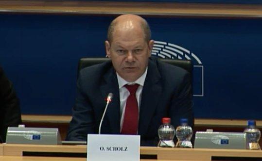 Bittere Absage an die Steuergerechtigkeit! Finanzminister #Scholz stellt sich heute im EU-Parlament auf Seiten der Steuervermeider wie #Apple, #IKEA & Co und beerdigt die länderbezogene Steuertransparenz - obwohl sie im SPD-Programm stand! Hier das Video: https://t.co/iLlRt7e9Fd