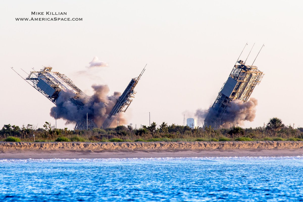 The dual pads of historic Launch Complex 17 at Cape Canaveral came crashing down this morning, bringing an end to over 50 yrs of service after supporting over 300 launches for the U.S. The end of an era for the U.S. space program... <br>http://pic.twitter.com/ECGQF0WLEH