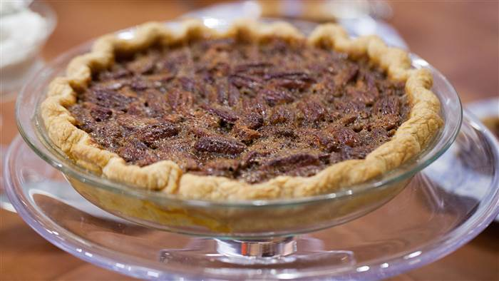I only have pies for you! Happy #NationalPecanPieDay! I whipped up this recipe on @todayshow, and now I&#39;m sharing it with all of you. Don&#39;t forget to tag me in your photos when trying this recipe out.  https:// on.today.com/2MHSNRM  &nbsp;  <br>http://pic.twitter.com/sD4qyWe7wi