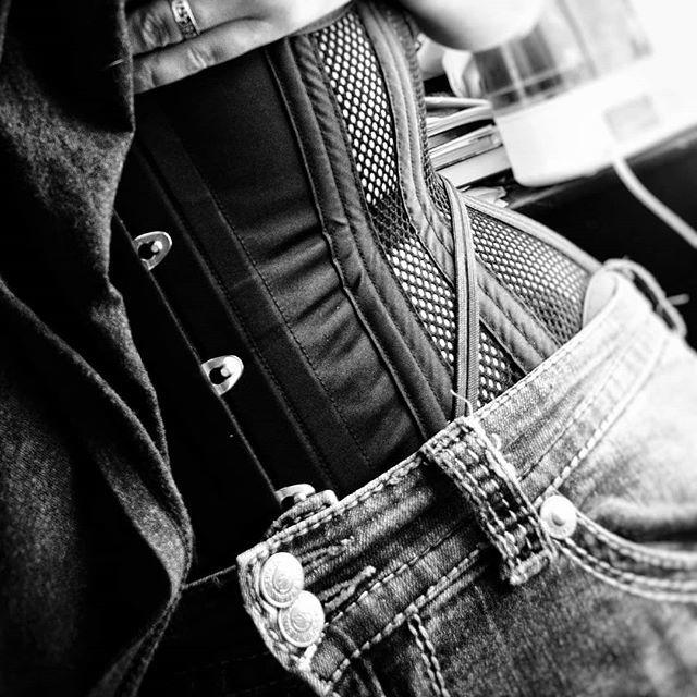 2ab0aec7b41  corset  selfie  mysticcitycorset  mysticcitycorsets  waisttraining   tightlacing  realpeoplerealcor… https   ift.tt 2meyrES  pic.twitter.com hTIq3EOJ7C