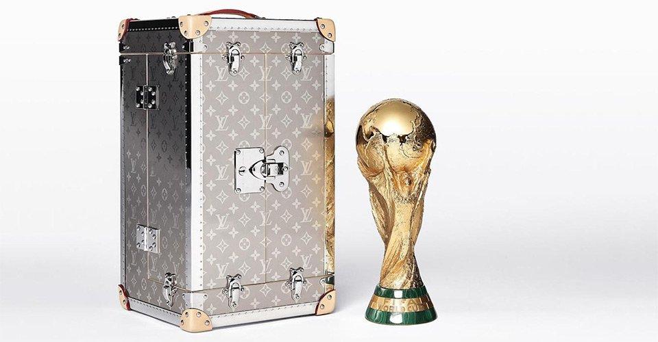 .@LouisVuitton unveils laser-engraved titanium case for FIFA World Cup trophy:  https://t.co/ss3zW8OZwc https://t.co/cIPG1PKuyr