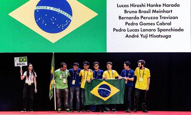 .@laurojardim: Brasileiro ganha medalha de ouro na Olimpíada Internacional de Matemática. https://t.co/etVQBn9fpl