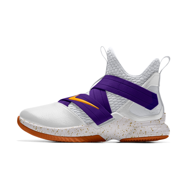 sports shoes 977cc 971b7 Kicks Deals Canada on Twitter: