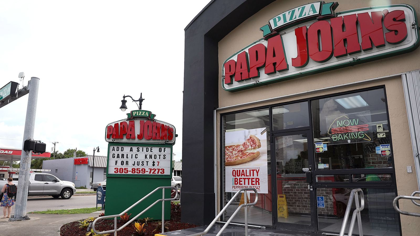 Papa John's Removes N-Word From Menus https://t.co/VnuzV5F8ZN https://t.co/Q2jlA8NVC5