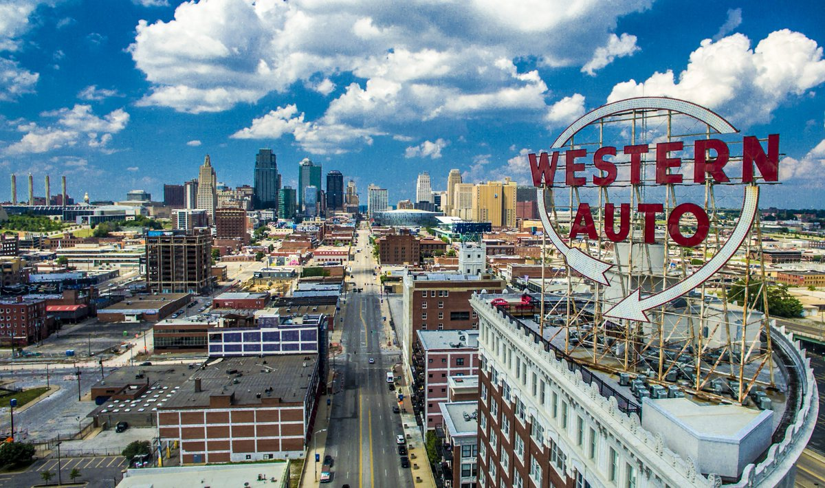 Visit Kc On Twitter Beginning July 13 The Western Auto Sign Will