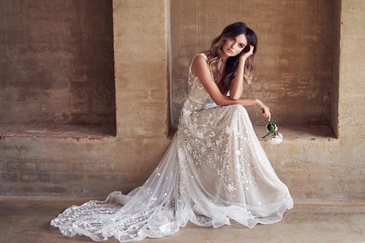 Portland Bridal Show On Twitter Anna Campbell Wedding Dress