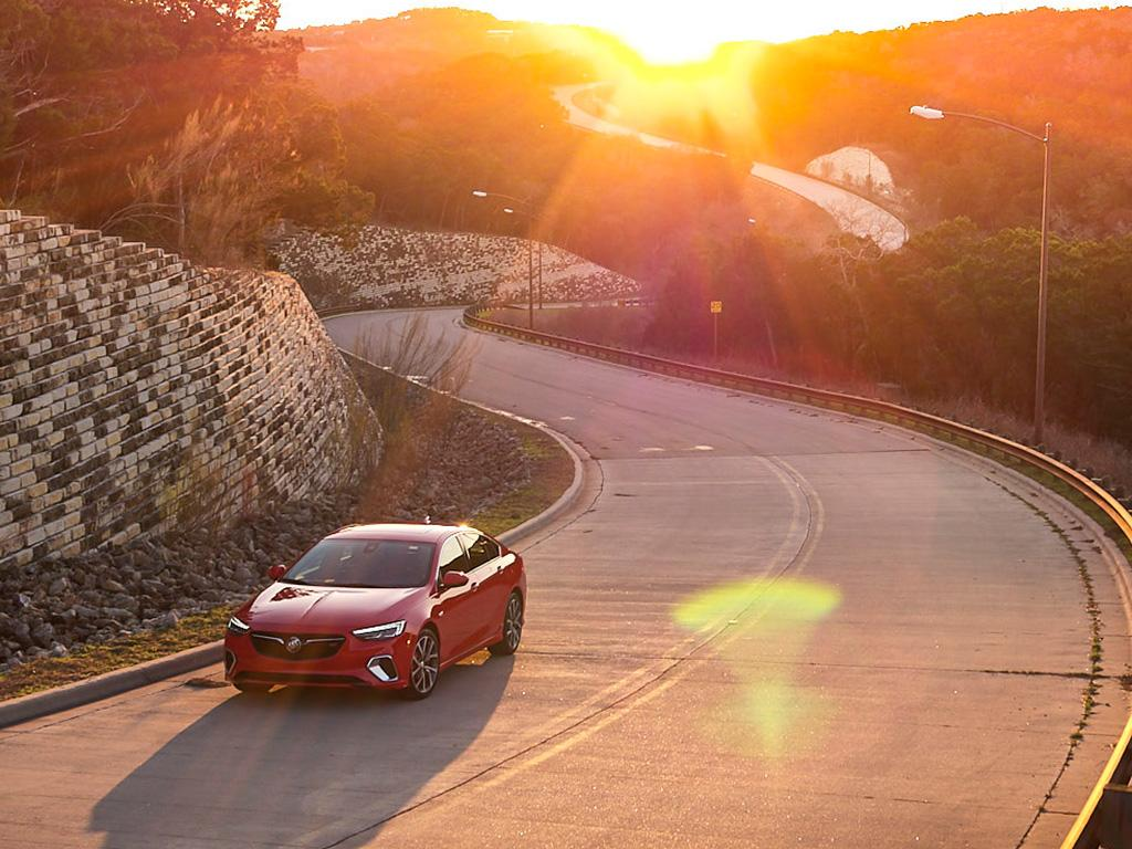 #WhenINeedAPickMeUp only one with 310HP will do. #BuickRegalGS #ThatsABuick<br>http://pic.twitter.com/BKxZcPRSyj