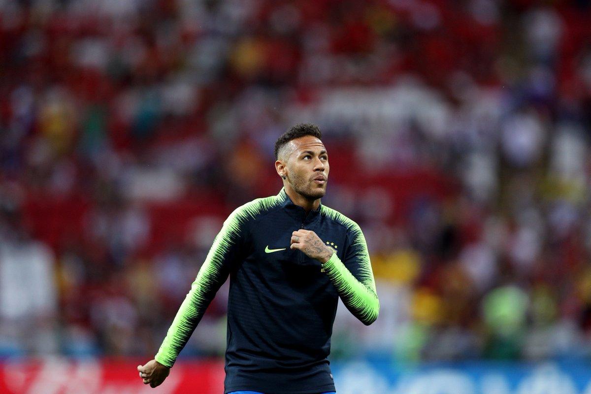 Se você fosse o Neymar:  Iria para o Real Madrid: RT Ficaria no PSG: ❤