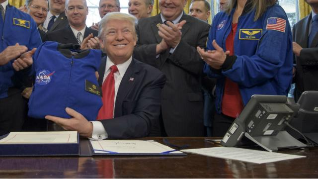 Trump pick for top NASA role has no past experience in space tech https://t.co/YaDbQTTnJk https://t.co/MJNMkHVVOt