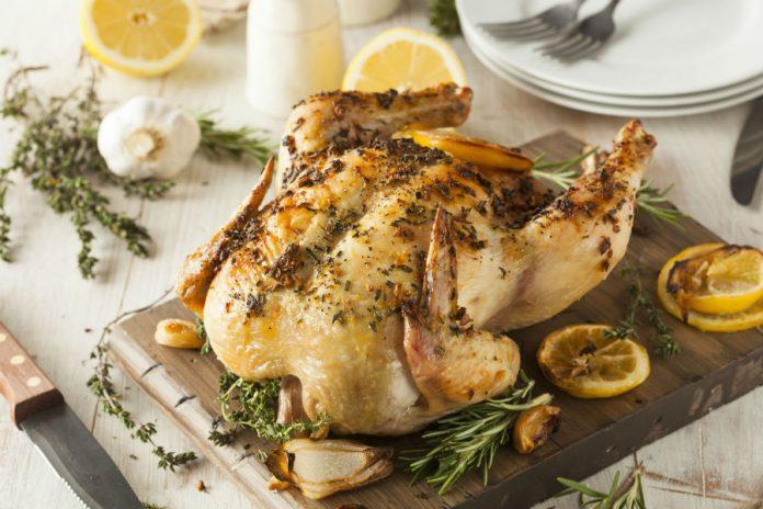Trucos de Joan Roca para asar correctamente el pollo https://t.co/9xgE5jOe9F  https://t.co/kJVArQfwMu