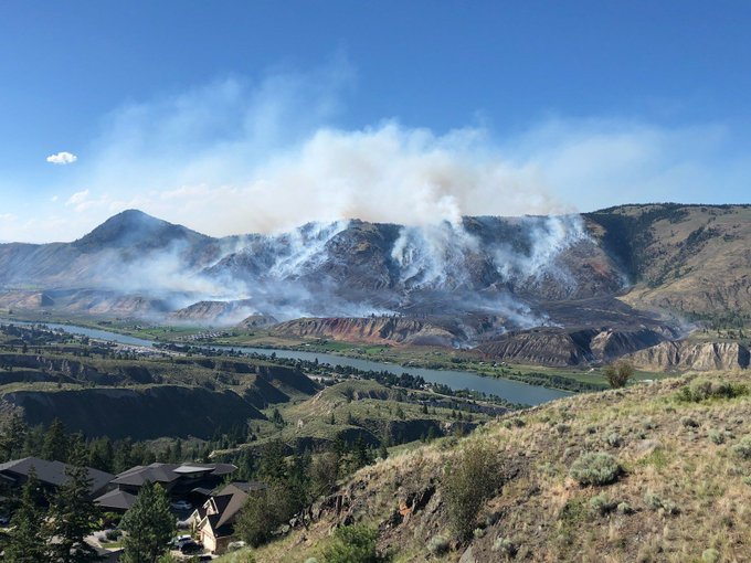 Friend of mine in #kamloops took this of the #BCwildfire just now. Stay safe everyone! Photo