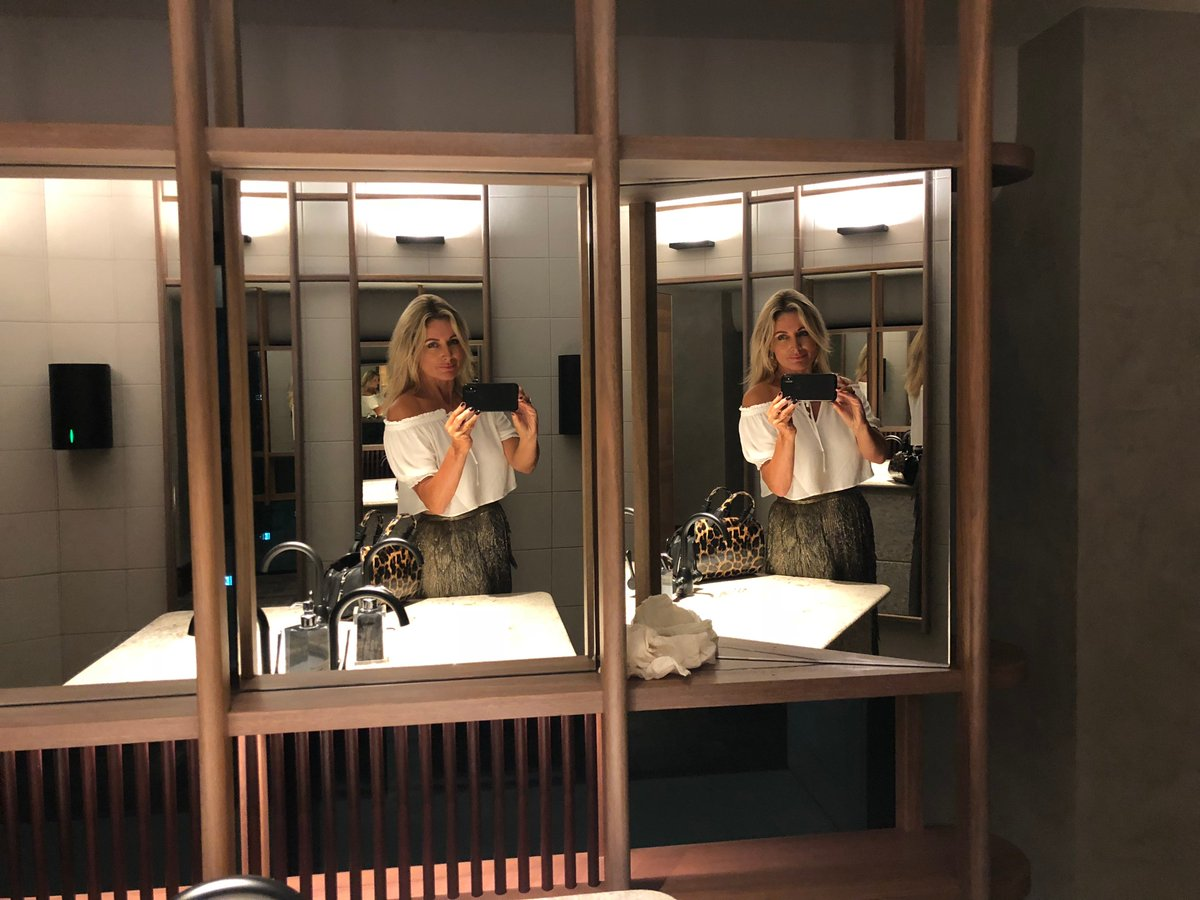 Sharon Williams On Twitter Mirror Mirror Still Learning Those Selfies Couldn T Resist This Multi Mirror Set Up In 12micron Extraordinary And Very Glamorous Bathroom Selfie Barangaroo Funfriday Https T Co Urcokfax5i