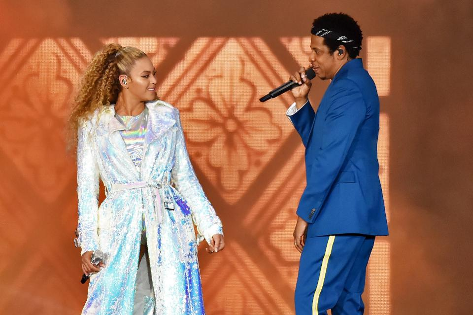 Jay-Z and Beyonce are now worth a combined $1.255B--and counting https://t.co/zVvzmiZgl4 ma https://t.co/QNDzGhmbtg