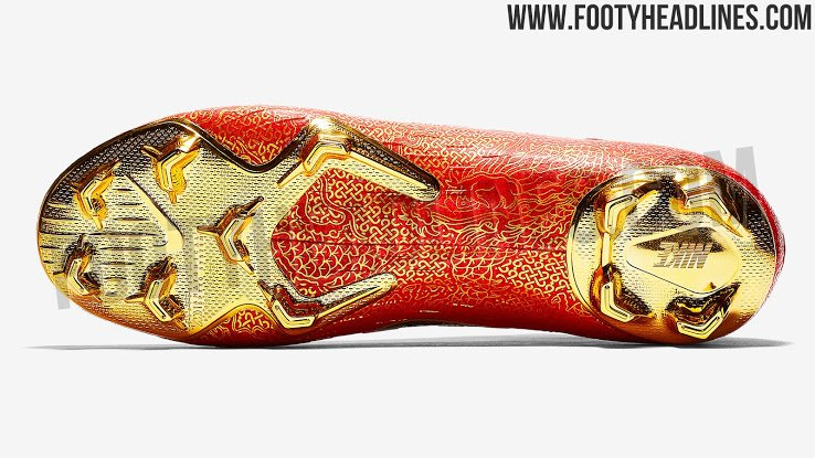 2eb905d943e Cristiano Ronaldo s new boots leaked - NIKE MERCURIAL CR7 - RED   BLACK    GOLD.   Footy Headlines pic.twitter.com IyoPuIjVXX