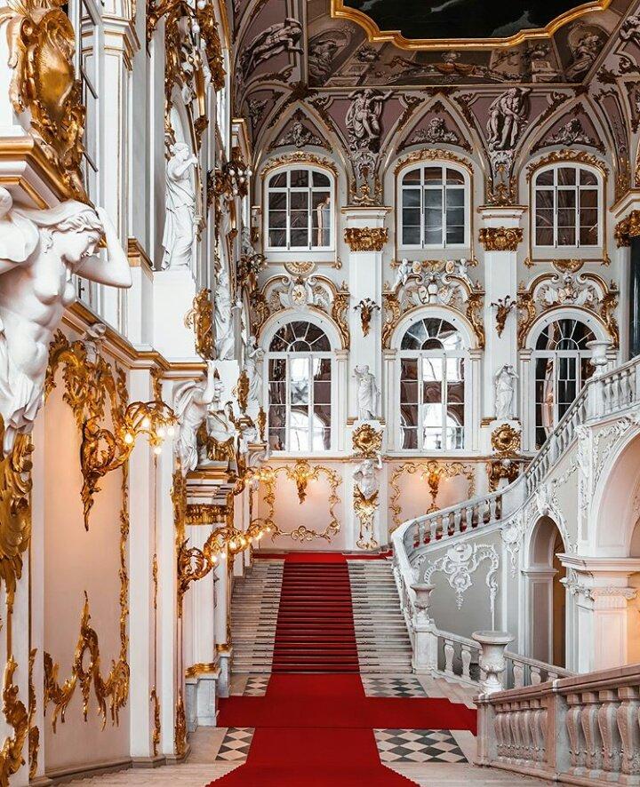 парадная лестница зимнего дворца фото которые всем