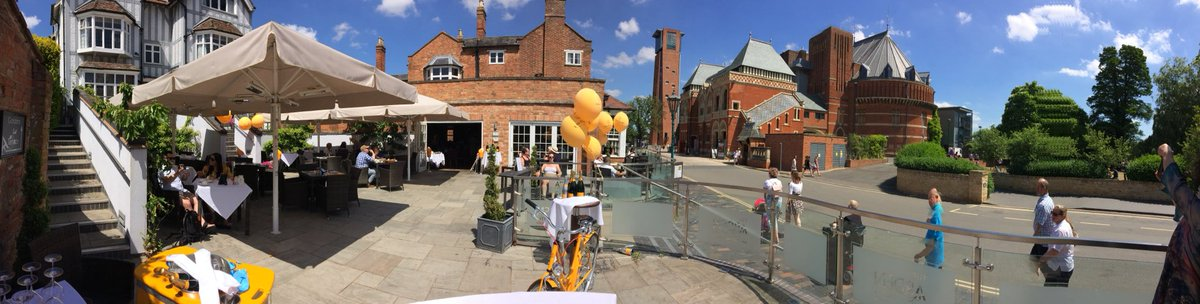 Just opposite #RoyalShakespeareTheatre @ArdenHotel relax on our terrace with a glass of @VeuveClicquot #sunnyterrace #greatview #StratfordRiverFestivalpic.twitter.com/K19JOZWQaX
