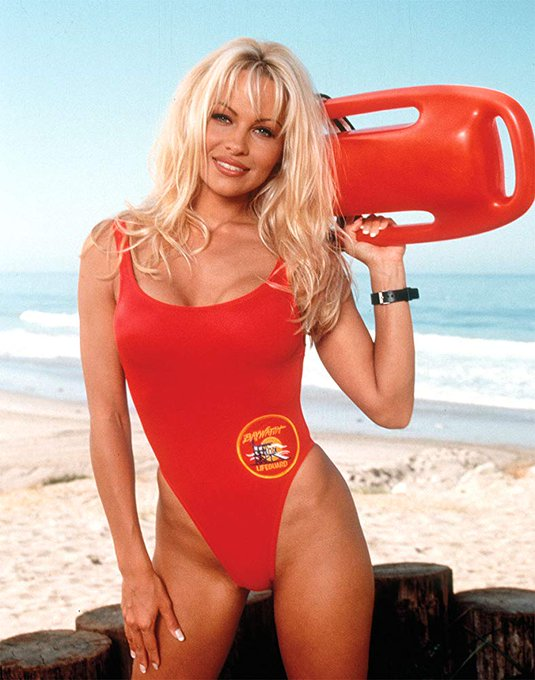 Happy birthday to the beautifuly sexy Pamela Anderson today!