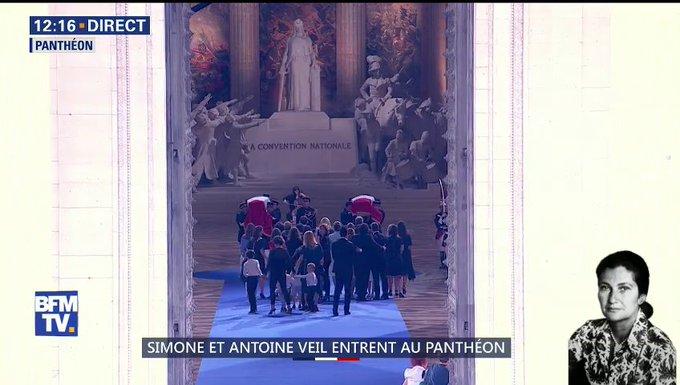 Simone Veil et son époux Antoine au Panthéon : revivez la cérémonie présidée par Emmanuel Macron DhAzfHqW0AAoe3v?format=jpg&name=small
