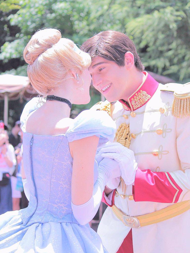 プリンセスを見る目が愛おしさを物語っている