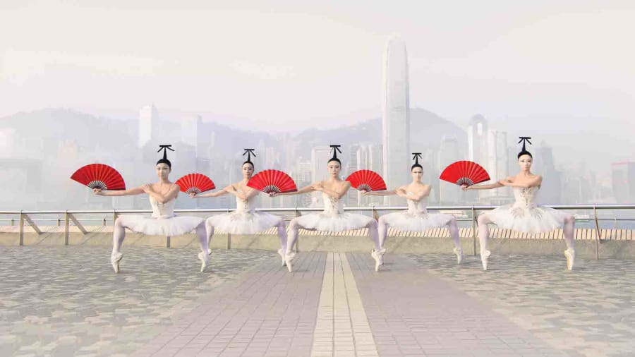 Ballet dancers showcase Hong Kong in gravity-defying images https://t.co/HHv3X6WlPK via @CNNTravel https://t.co/68WV2hDbZd