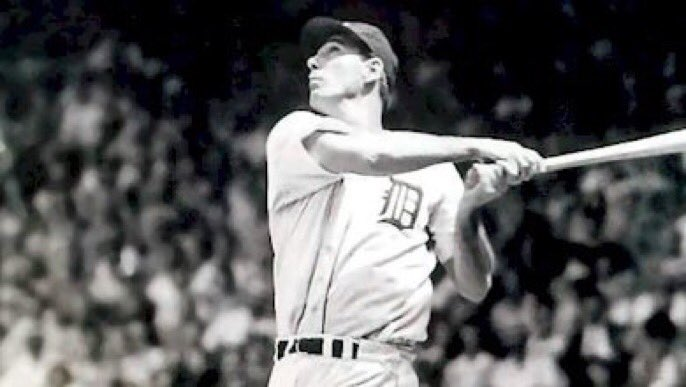 1945 : Hank Greenburg Hits Home Run