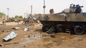 Un VBCI de la force Barkhane visé par une attaque suicide à Gao DhCS5rUWsAccE_X?format=jpg&name=360x360