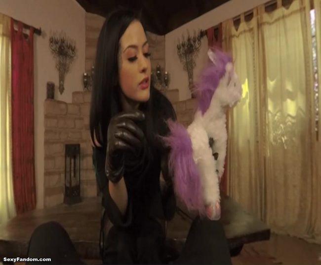 Sexy Fandom: A Magic VR Ride With Hot Sorceress Katrina...