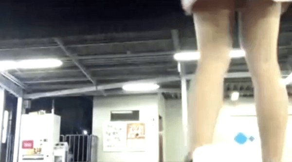 女子高生がツイキャスで自殺配信していた動画のキャプチャ画像