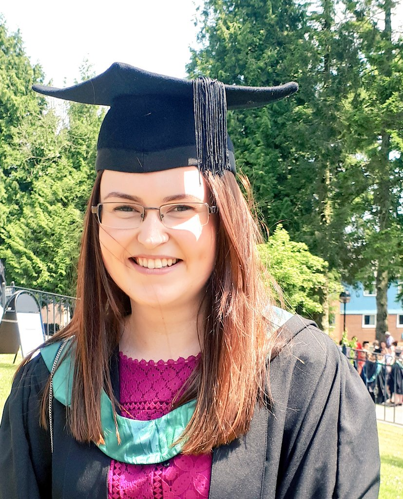 Llongyfarchiadau! Congratulations!  Catrin Davies: BA Addysg Gynradd: &quot;I chose UWTSD Carmarthen because it was close to home. I made really good friends. The best thing about the course is I could do 100% of it in Welsh.&quot; @AstudioYDDS @Athrofa #GraddioYDDS #DyddieDa  #uwtsdgrad<br>http://pic.twitter.com/JHkbL2TZwA