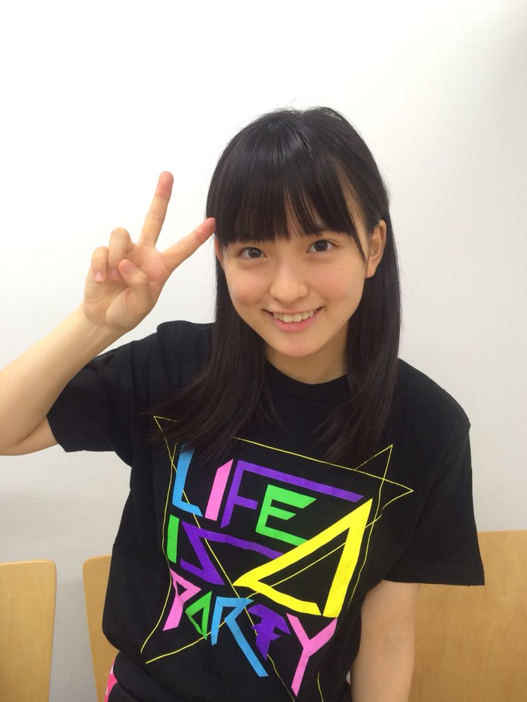 ライブTシャツを着た清井咲希