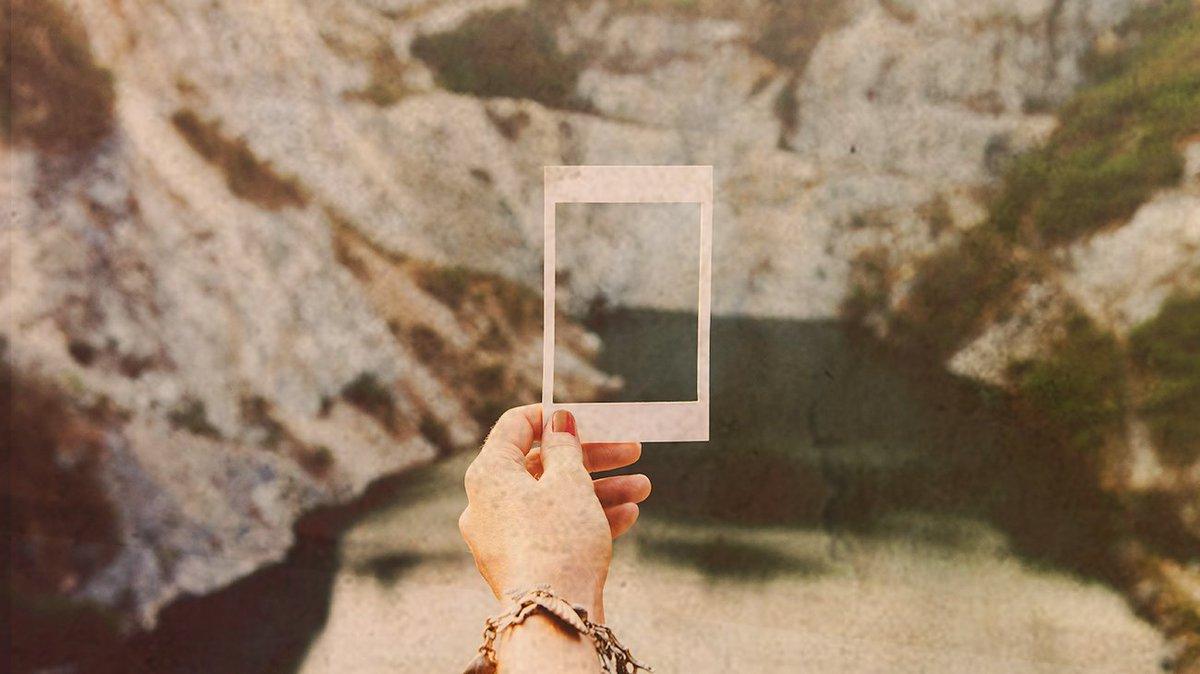 Insérez votre souvenir [ici] 📸 Avec Signum, transmettez plus que de simples photos ➡️ https://t.co/u9pksKwM9Y https://t.co/Rr1ppw3hSk