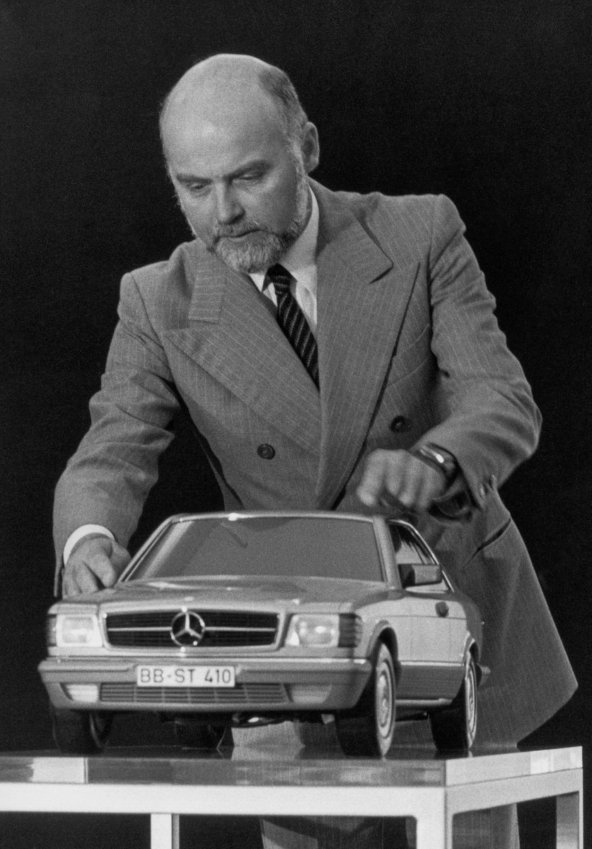 A man and his masterpiece.  #MBclassic #brunosacco #C126 #SEC https://t.co/qwIGKU7YXj