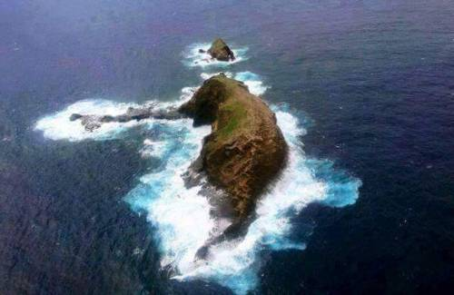 T 2855 - Naturally Erupted Elephant Rock in Heimaey in Iceland .. https://t.co/OeAH3cKZ5U