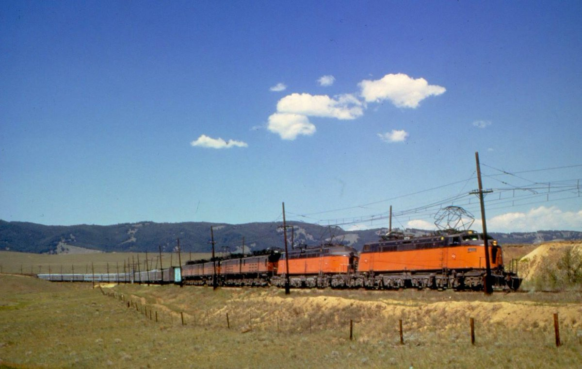 DhJgoRQU8AE9Lsl - Electric Railroad through the Rockies