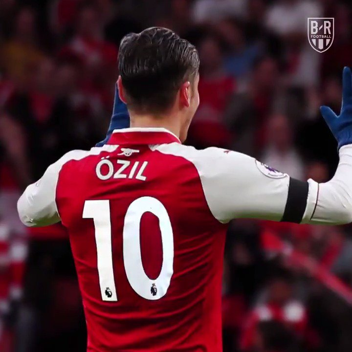 adeffb8af OFFICIAL  Mesut Ozil gets the no.10 shirt at Arsenal  M1Ö