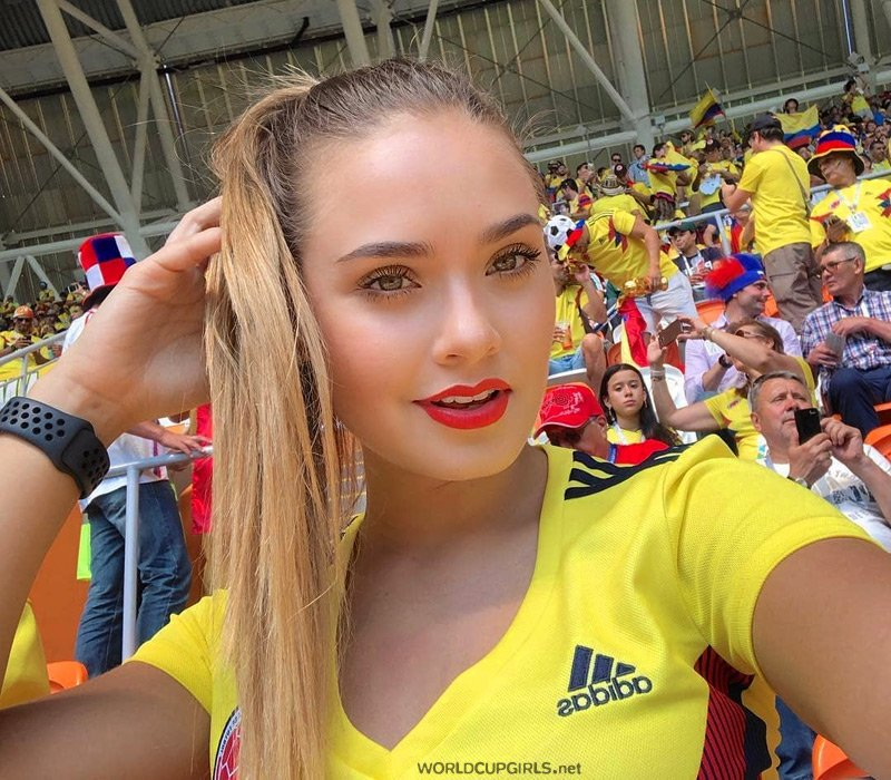 Those Hot Colombian Girls Fans Are Born