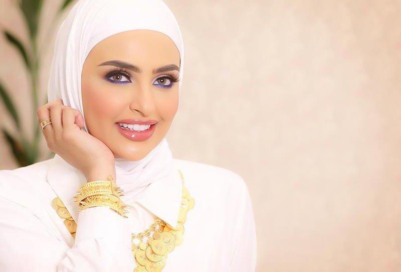 416a3ee63c108 ما هي ألوان لفات الحجاب التي تعتمدها مدونات الموضة دائمًا؟  http   www.sayidaty.net node 739096  أزياء  لفات حجاب  pic.twitter.com iXlgmGqI8A