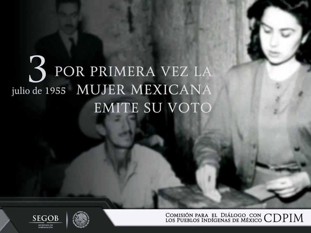 Resultado de imagen para Fotos de en México, las mujeres acuden a las urnas a emitir su voto.