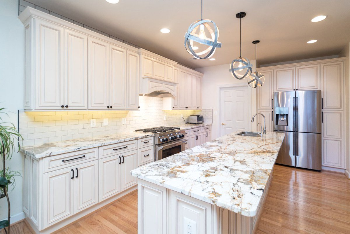These #cabinets Lined The Walls And Were Used On The Island, Providing  Plenty Of Https://www.usacabinetstore.com/kitchen Remodeling Fairfax Va/ ...