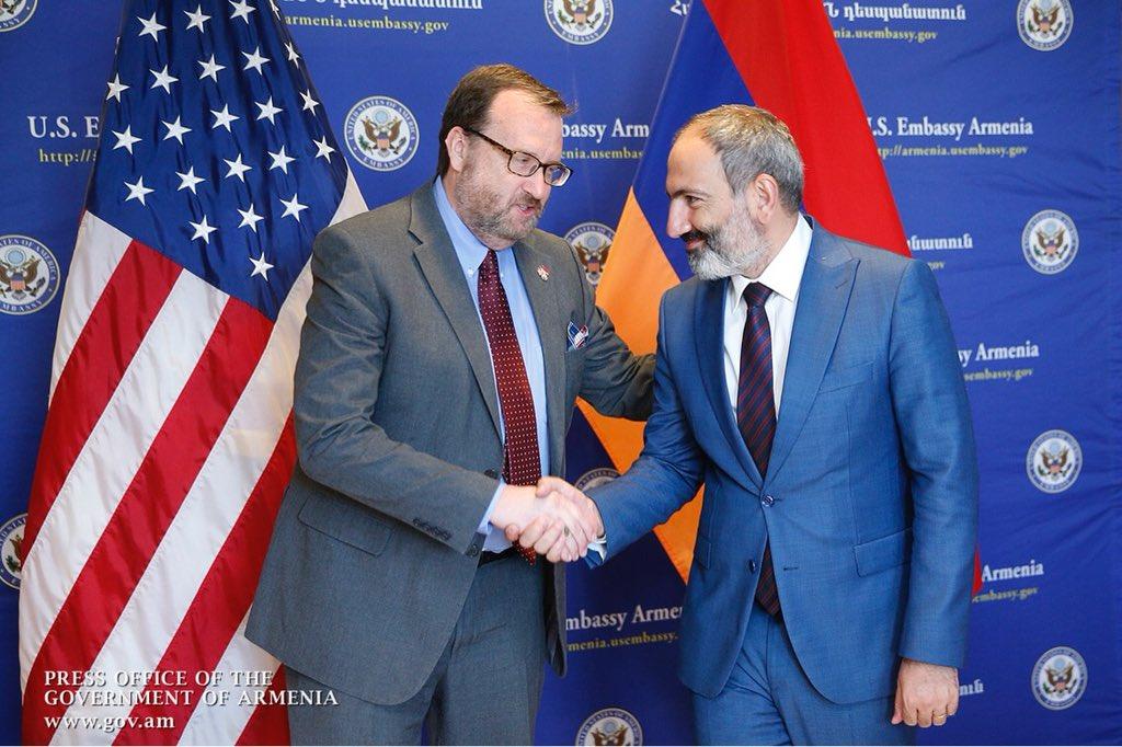 Ободряющие мессиджи Вашингтона Еревану